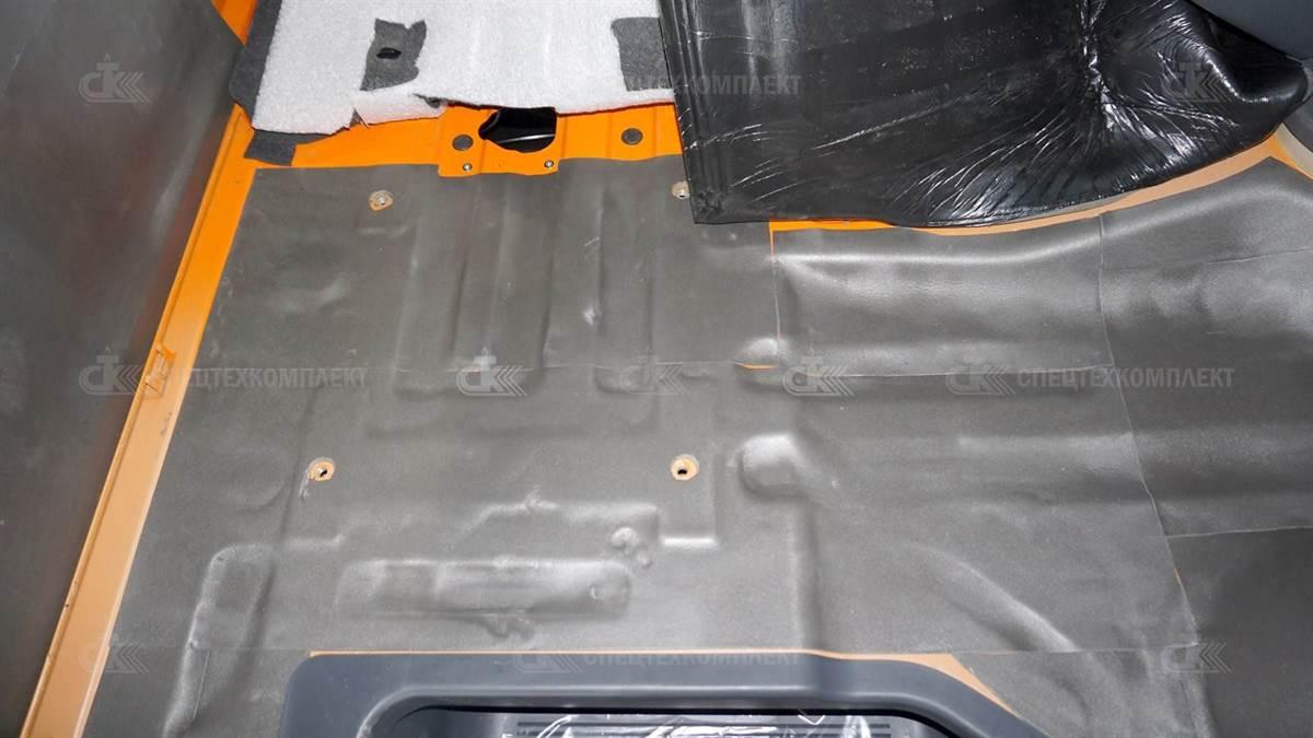 DSC03823 - Утепление кабины Урал материалом Изолонтейпом 4 мм