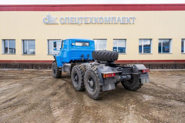 Седельный тягач Урал 44202-0311-60 Со спальным местом