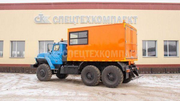 Урал для перевозки взрывчатых веществ 5557-1151-72