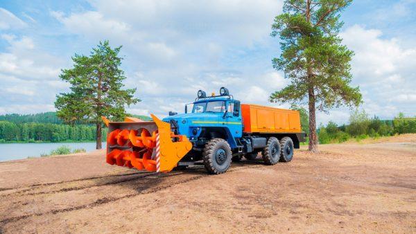 Шнекороторный снегоочиститель на шасси Урал 4320-1121-61