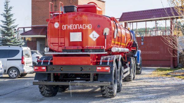 Тягач Урал Некст 44202-5311-74 с прицепом