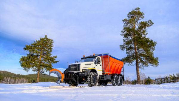 Комбинированная дорожная машина КДМ 6843М1 Урал